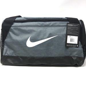 Authentic Unisex Nike Brasilia Duffel Bag in Grey